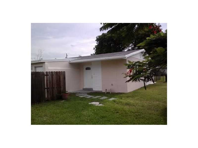 8950 SW 196th Dr, Miami, FL