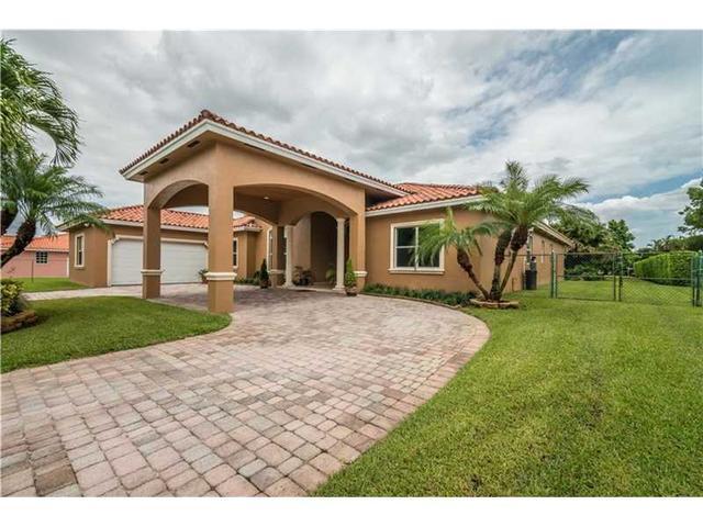 241 NW 119th Ave, Miami FL 33182