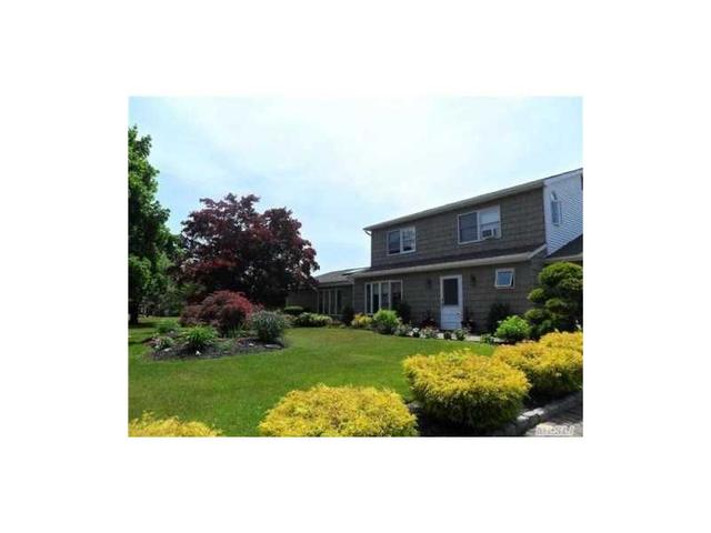 24 Imperial Dr, Miller Place, NY