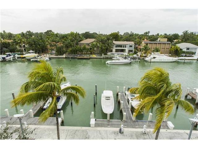 6103 W Laguna Dr #6103, Miami Beach, FL 33141