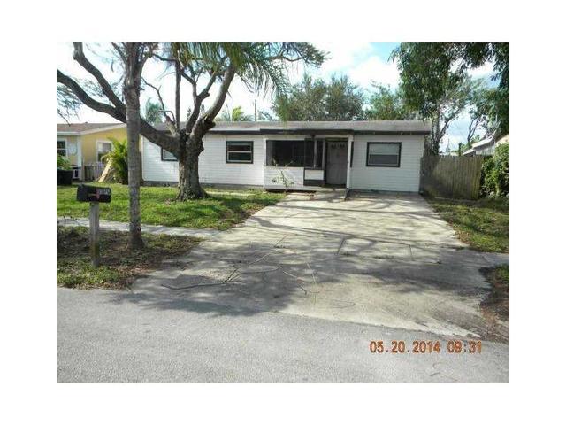 6370 SW 1st St, Pompano Beach, FL