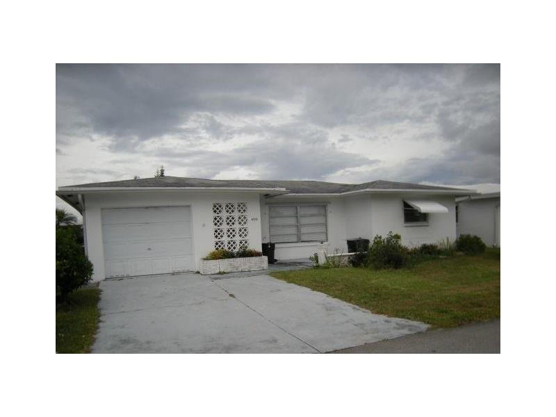 4915 NW 54th Ct, Fort Lauderdale, FL