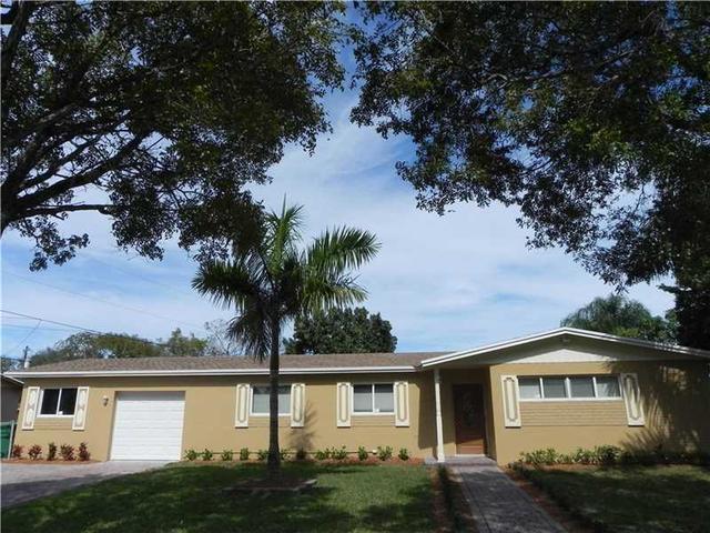 8201 NW 181st St, Hialeah, FL