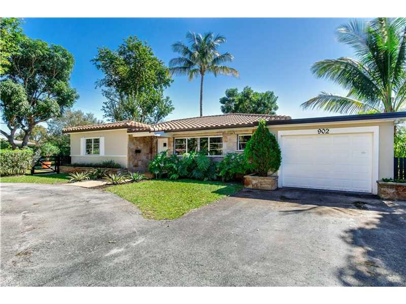 902 NE 111th St, Miami, FL
