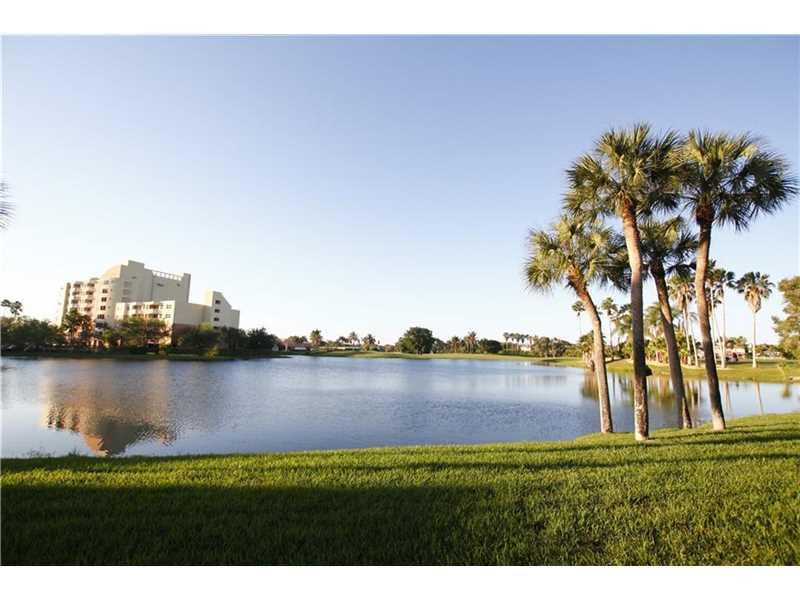 16325 Golf Club Rd #APT 105, Fort Lauderdale, FL