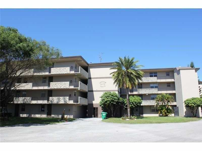 5275 NW 10th Ct #APT 206, Fort Lauderdale, FL