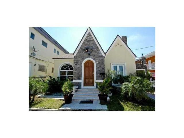 312 Fillmore St, Hollywood, FL 33019
