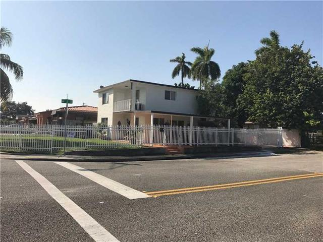 290 NW 72nd Ave, Miami, FL 33126