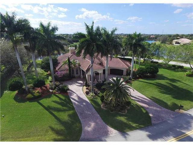 3810 Windmill Lakes Rd, Fort Lauderdale FL 33332