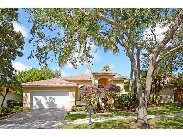 2853 Oakbrook Dr, Fort Lauderdale FL 33332