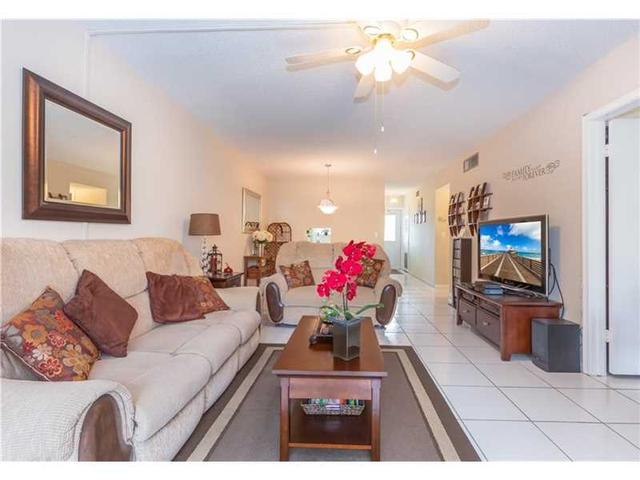 201 Berkley Rd #APT 202, Hollywood, FL