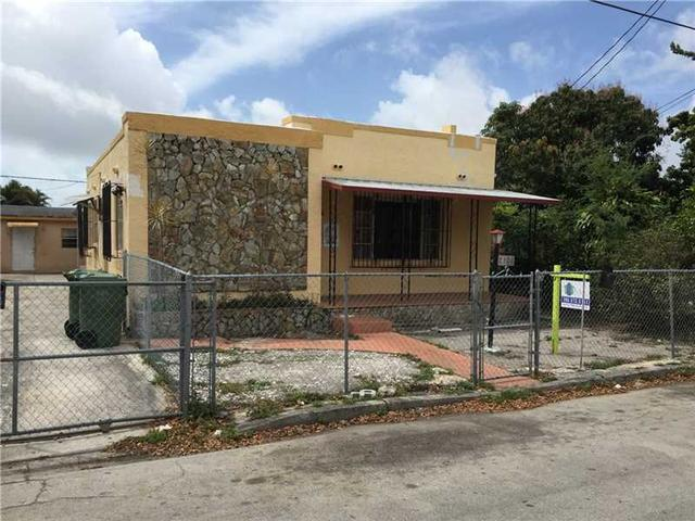 2126 NW 3 St, Miami, FL