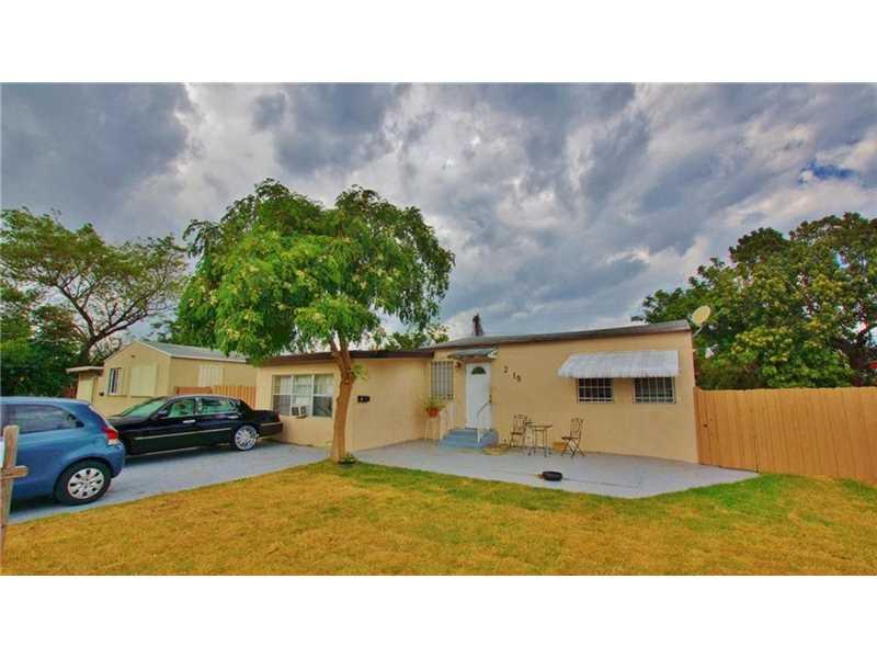 2119 Funston St, Hollywood, FL