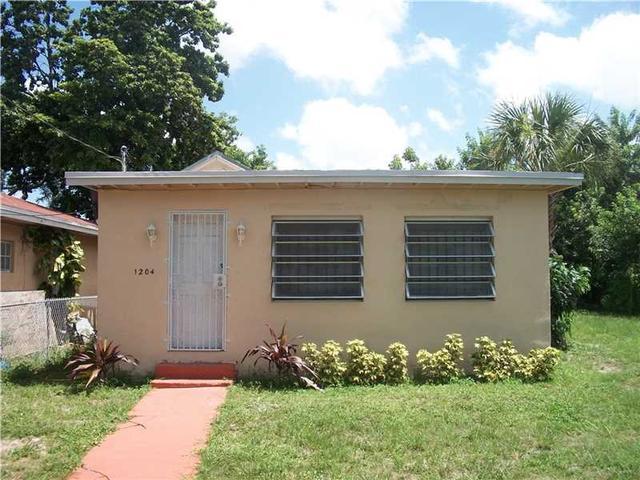 1204 NW 70th St, Miami, FL
