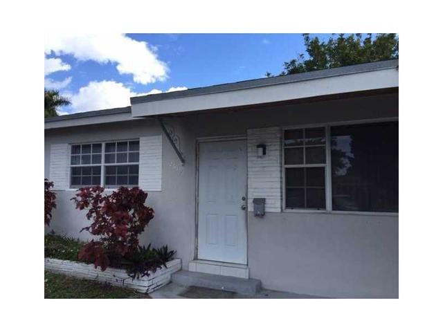 2619 Flamingo Dr, Hollywood, FL