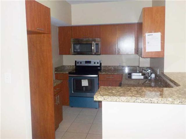 3501 Jackson St #APT 410, Hollywood, FL