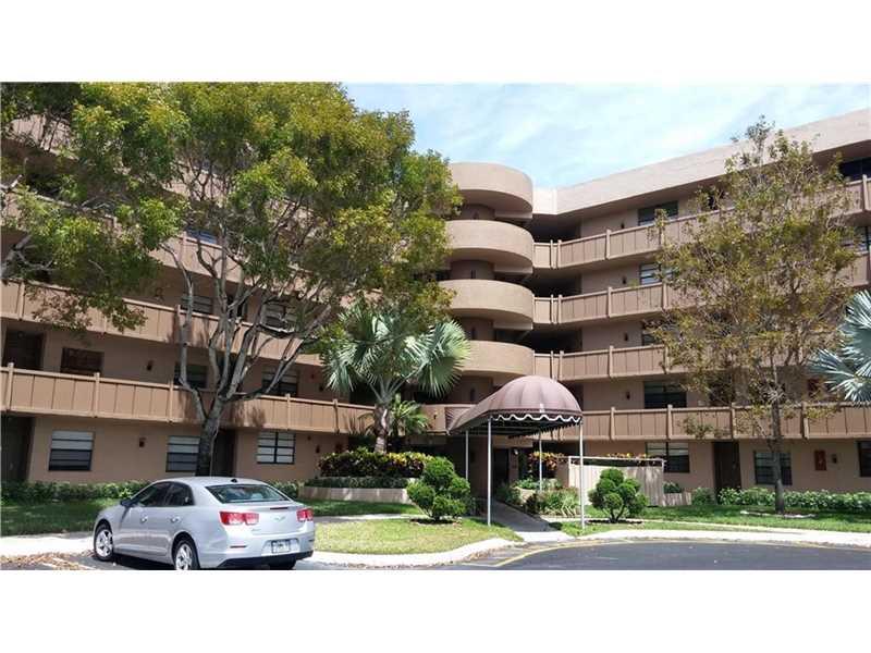 901 Colony Point Cir #APT 215, Hollywood, FL