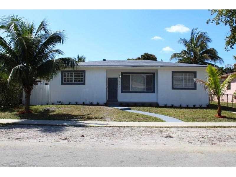 882 NE 146th St, Miami, FL