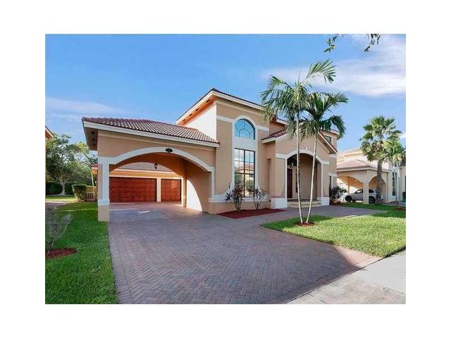2112 SW 195th Ave, Hollywood, FL