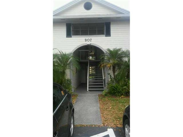 907 NE 199 St #APT 108, Miami, FL