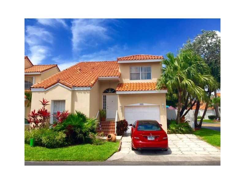 3605 Murano Dr, Hollywood, FL