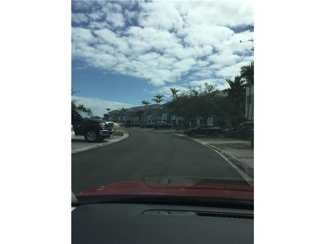 3563 NW 13th St #APT 3563, Miami, FL