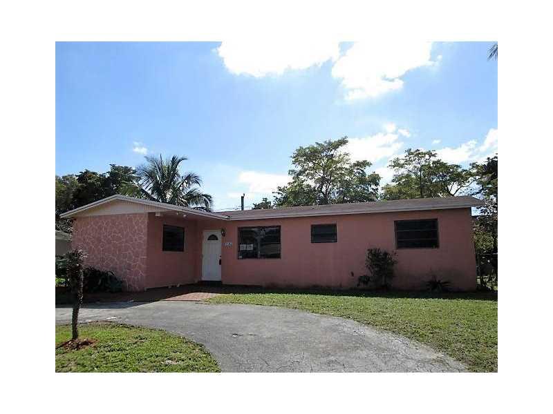 1182 NE 196th St, Miami, FL