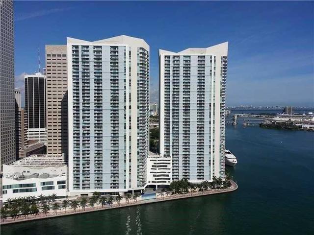 325 S Biscayne Blvd #1820, Miami, FL 33131