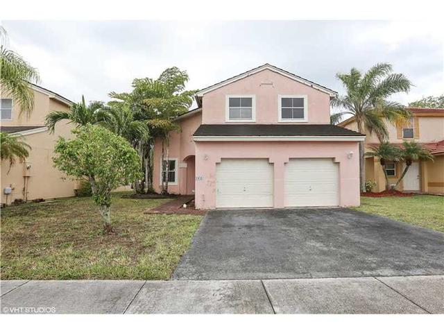 1941 NW 184th Ter, Hollywood, FL