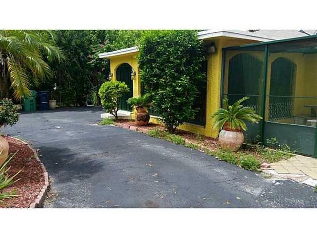 5745 SW 46th Ter, Miami, FL