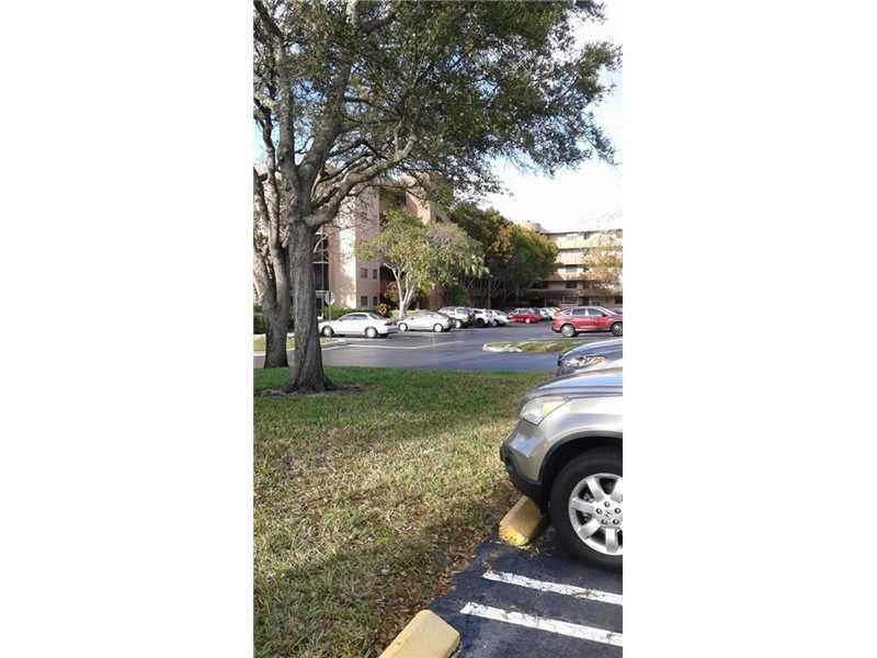 901 Colony Point Cir #APT 218, Hollywood, FL