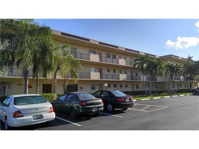 251 Berkley Rd #APT 208, Hollywood, FL