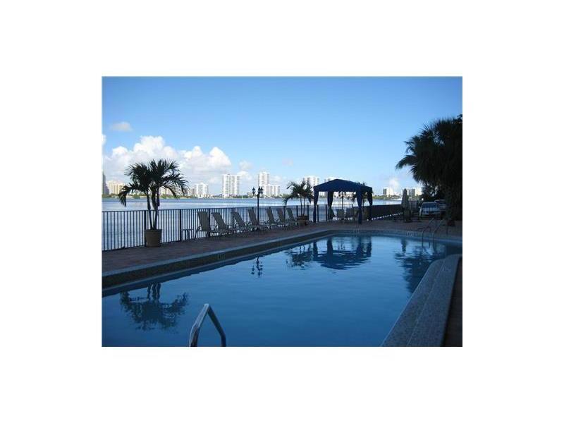 17720 N Bay Road #8C, Sunny Isles Beach, FL 33160