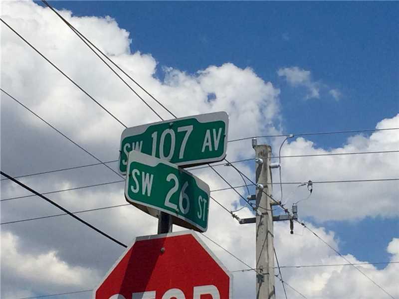 10700 SW 26th St, Miami, FL