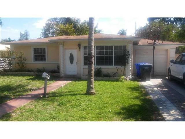 2426 Washington St, Hollywood, FL