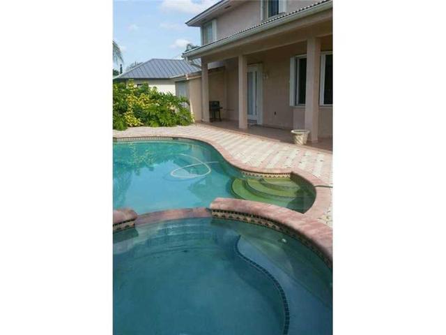 11230 SW 29 St, Miami FL 33165