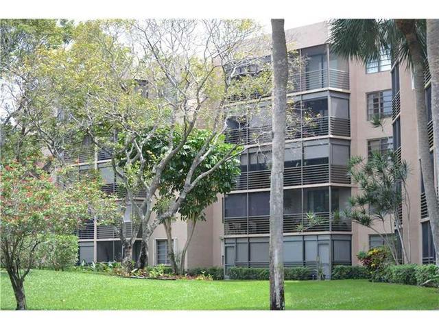 1000 Colony Point Cir #APT 405, Hollywood FL 33026