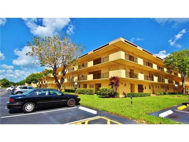 301 Cambridge Rd #APT 103, Hollywood, FL