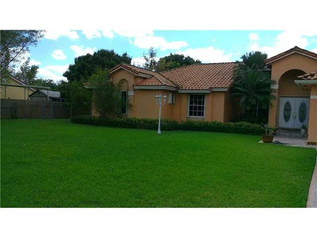 1586 NW 17th Ter, Homestead, FL