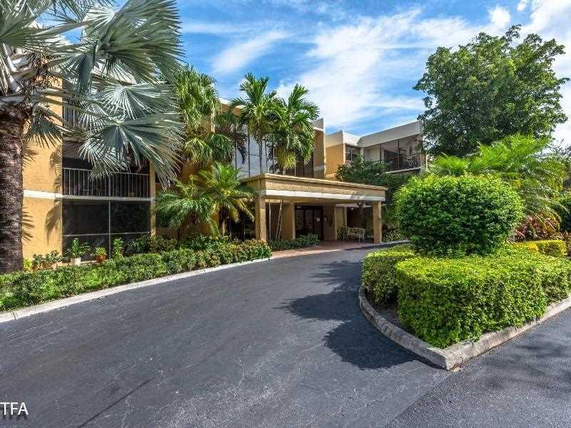 16175 Golf Club Rd #APT 112, Fort Lauderdale, FL