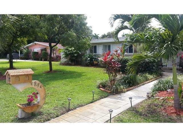2730 SW 13th Ct, Fort Lauderdale, FL