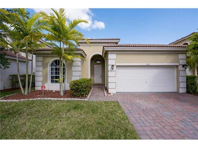 1211 NE 37th Pl, Homestead, FL