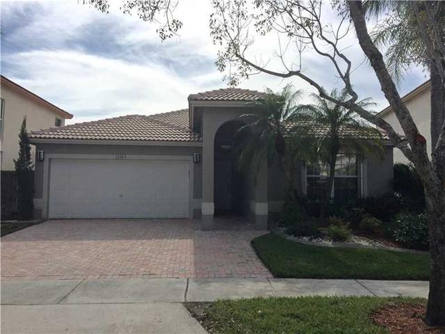 16964 NW 19th St, Pembroke Pines, FL