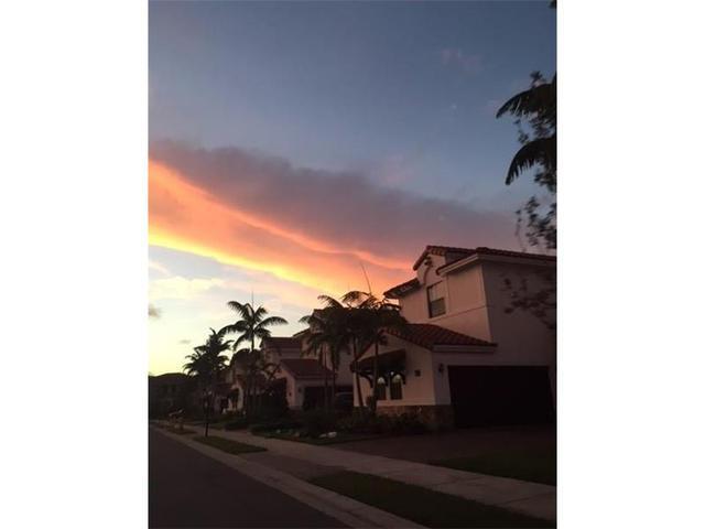 10341 NW 10 St, Miami FL 33172