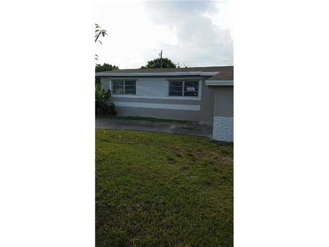 9850 Bahama Dr, Miami, FL