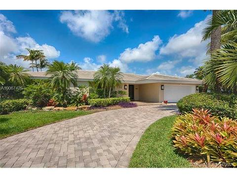 524 Palm Dr, Hallandale, FL 33009