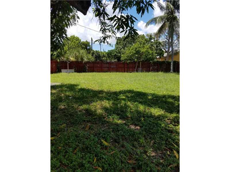 910 NW 2nd Avenue, Fort Lauderdale, FL 33311
