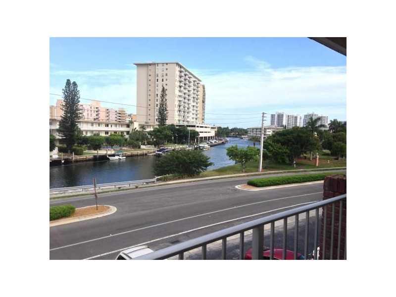250 Layne Blvd #APT 312, Hallandale, FL