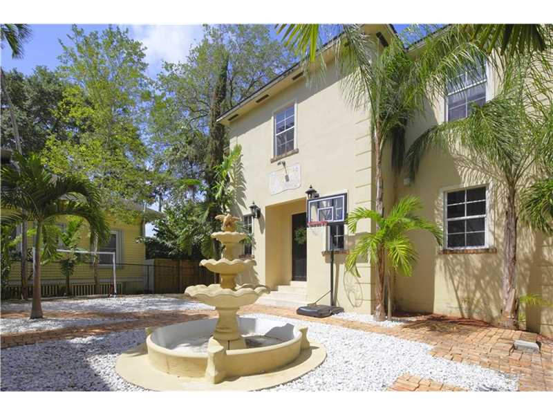 3670 S Douglas Rd, Miami, FL