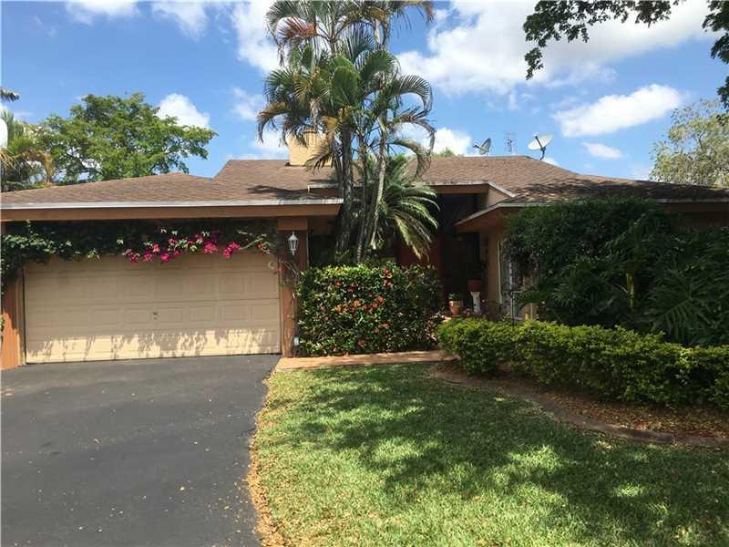 8011 Buttonwood Cir, Fort Lauderdale, FL